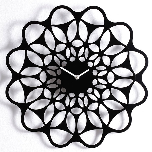 diamantini-black-and-black-clock