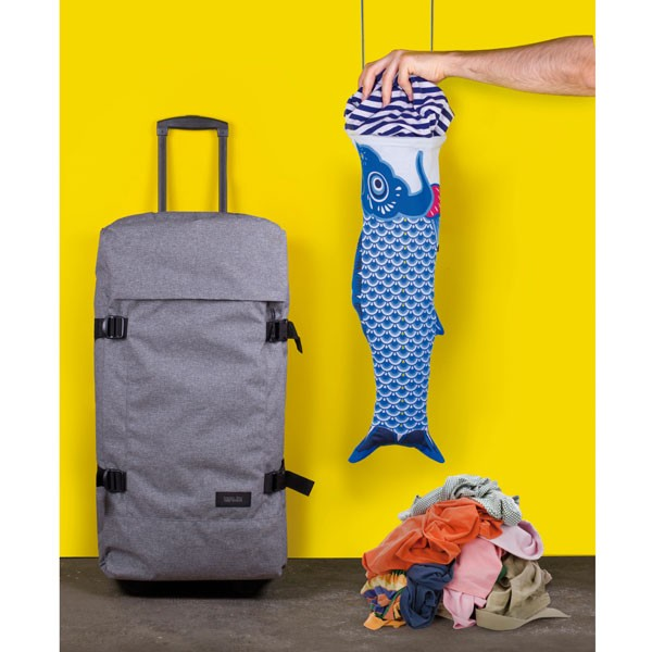 doiy-koinibori-travel-laundry-bag-blue-3