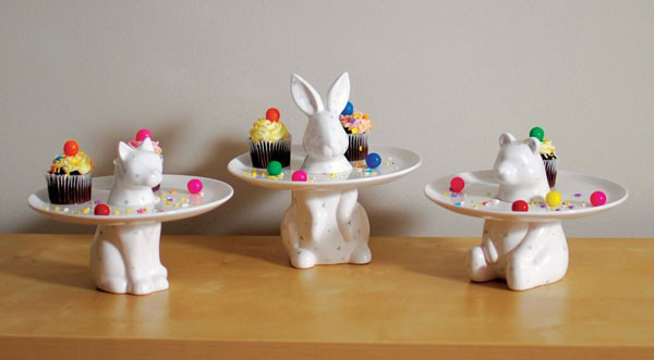 imm-living-menagerie-cake-cake-plate-3