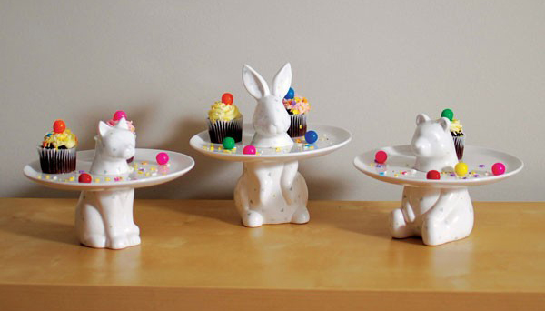 imm-living-menagerie-rabbit-cake-plate-3
