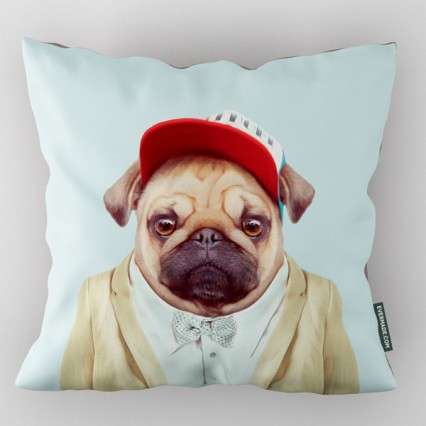 evermade-zoo-portrait-cushion-pug.1508457300