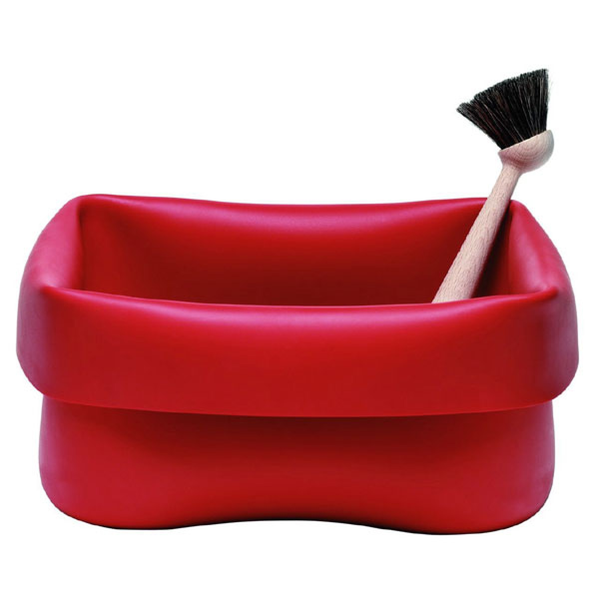red rubber washing up bowl