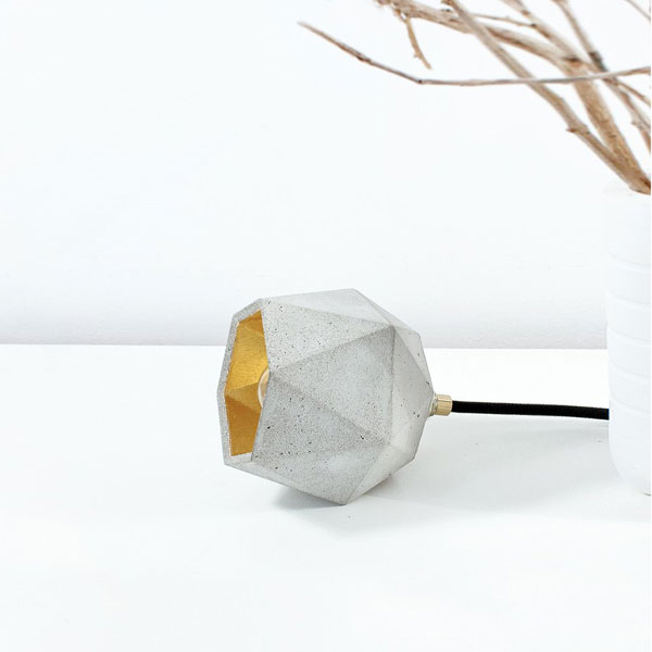 T2 Triangle Table Lamp – Grey & Gold